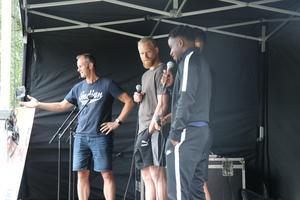 ÖSK-spelarna Mathias Karlsson, Kevin Wright och Rodin Deprem intervjuades om vad som krävdes för att följa sina drömmar.