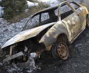 Den utbrända bilen som hittades norr om Timrå.