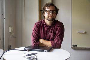 Läraren Jonas Raphael tycker att mobilfria lektioner är ett bra beslut.