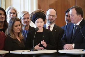STOCKHOLM 20190121Landsbygdsminister Jennie  Nilsson (S), kulturminister Amanda Lind (MP) och statsminister Stefan Löfven (S) under en pressträff i riksdagshusetFoto: Anders Wiklund / TT kod 10040