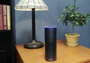 Röstassistenten Echo ska kunna höra användaren från andra sidan rummet även om musik spelas.