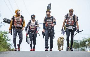 Det var hösten 2015 som multisportlaget Team Peak Performance mötte gatuhunden – som senare fick namnet Arthur – i Ecuador. Foto: Krister Göransson / Team Peak Performance
