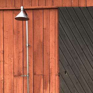 Det två uteduscharna som tillverkats är en väggdusch och en fristående. Foto: FM Mattsson/Mora Armatur