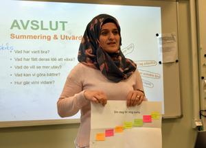 Fatima Hussein kunde för några månader sedan inte tro att hon skulle stå framför andra människor ochberätta om sina framtidsplaner.