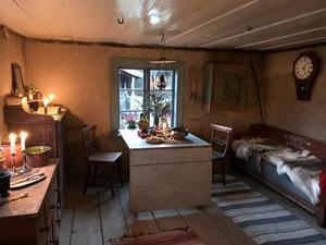 I det lilla torpet på runt 30 kvadratmeters boyta bodde sju personer – nybyggarna Hansson, makarna Anders och Mina Andersson samt deras tre tonårsbarn.