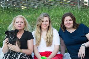 Veteraner. Marie Stivert med Mini, Anna Rautio och Sara Rautio njöt av mat och musik.