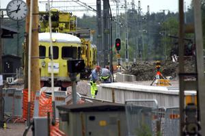 Hotad station. Arbete när stationen i Kolbäck byggdes om för 250 miljoner kronor, men kommer några tåg att stanna där i framtiden?