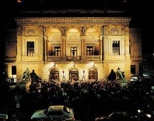 Det Kongelige Teater i Köpenhamn blir av med 14 musiker.