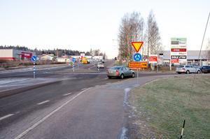 Bergsgatan stängs av för genomfartstrafik vid vägbygget på E14 på måndag.