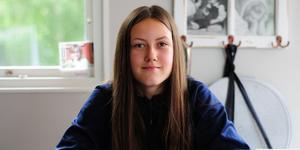 SSK-spelaren Pandora Nåtby vill bli bäst på ishockey, målet är OS.