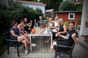 Gänget på Kramforsgränd i Stockholm träffas varje söndag för att träna och dricka kaffe.