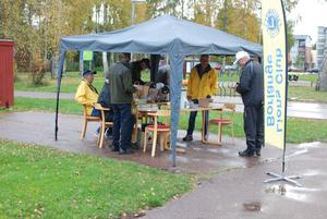 Startplats för tipspromenaden på VärldsLionsdagen.    Foto: Lennart Pettersson/Läsarbild