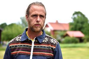 Jon Böhlmark har bidragit med två texter till årets upplaga.