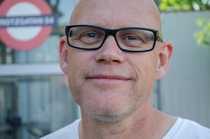 Lasse Westin är centrumutvecklare för Centrala stadsrum i Falun. Han höll i trygghetsvandringen tillsammans med sina kollegor.