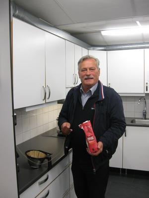 Björn Johansson som skötte tekniken kokade även kaffet.