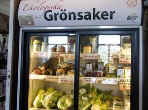 Ekologiska grönsaker importeras och säljs året om.