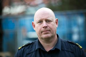 Johan Alm, gruppchef vid trafikpolisen i Dalarna, tycker att det är svårt att redan nu se en förändring på grund av mobillagen.