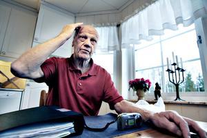 Valter Törnberg berättar för tidningen vad som hände vid rånet vintern 2008. Valter Törnberg gick bort fem år senare Bild: Arkiv