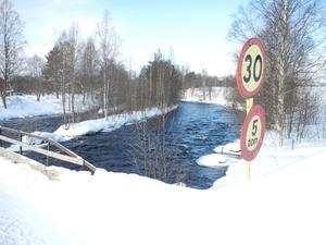 Lillälven/Piparån i Övertänger. Ett riskområde som ofta brukar drabbas av problem med översvämningar.