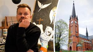 Christian Beijer tillsammans med sin tavla och GA-kyrkan. Bild: Henrik Sandberg/Jonatan Stålhös.