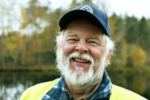 Olle Erlands berättar att ångfartyget är en symbol för Venjan och är glad att deras klenod är tillbaka.