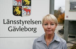 Maria Karlsson, handläggare för frivilligersättningarna vid samordningskansliet, uppskattar att den totala kostnaden för ersättningar till frivilliga uppgår till ungefär 5,5 miljoner kronor. Pressbild.