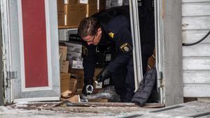 Under måndagsmorgonen skedde också ett inbrottsförsök mot butiken, men då lyckades man inte ta sig in.