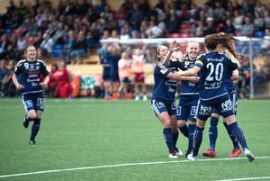 Johanna Axfeldt satte både sitt och matchens första mål mot Asarum.