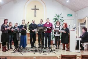 Första advent är en stor högtid i kyrkorna i Härjedalen, så även i Pingstkyrkan där Svegs gospel stod för jultoner.