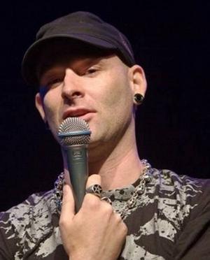 Inget för känsliga. Ståupp-komikern Jason Rouse sätter en ära i att befinna sig bortom anständighetens gräns.
