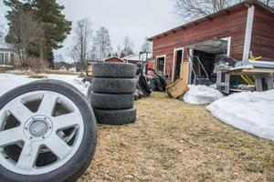 En del av kemikalierna hittade polisen på en industritomt i Strömsund.