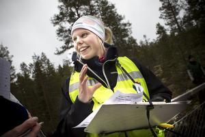 Elin Martinsson, biolog uppväxt i Edsbyn, har hittills kartlagt 20 mil av Voxnans vattenområde.