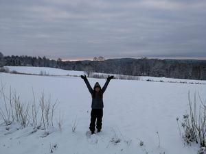 Efter en första tid av barmark föll sen den efterlängtade snön, och Alena fick uppleva en svensk jul med snötäcke på marken.- Det svenska vinterlandskapet var så totalt olikt allt annat jag upplevt tidigare i Australien. Foto: Privat