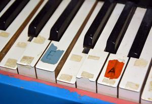 En gammal orgel vittnar om att det ibland hördes musik på vårdhemmet.
