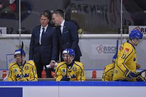 Johan Garpenlöv, till vänster, tar över som förbundskapten efter Rikard Grönborg, till höger i bild.