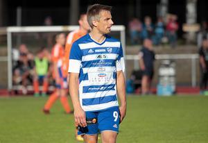 Med sex mål de tre senaste matcherna är Moras striker Per Fyhr en av de hetaste spelarna i tvåan.