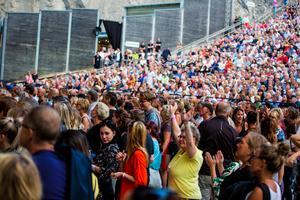 5739 personer var på plats i Dalhalla under GES premiärkväll, vilket också innebar nytt publikrekord för kalkbrottet.