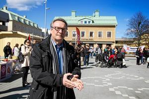 Raimo Pärssinen på 1 maj-firandet på Brotorget i Bollnäs.