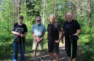 Byggplanerna inverkar på naturområdet Hagudden. Jan-Erik Lindström, Björn Ericson, Leif Johansson och Björn Astemarkvill bevara området, som används av många, orört.