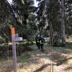 Det är väl skyltat längs Holavedsleden. I Tranås kommun är det SOL Tranås som ansvarar. Foto: Boo Nordin.