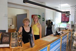 Gun Bohman Sandra Lundgren, receptionister på Sala turistbyrå.