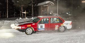 Pontus Lönnström, Nora, är en av förarna i Östersund Winter Rally. Fredagen hade två sträckor. En norr om Lit och en superspecial på Östersundstravet.Kartläsare till Lönnström är Richard Svensson.Foto: Joel Carlsson