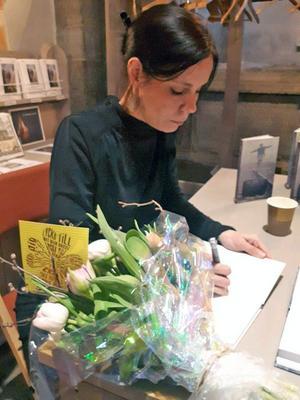 Det som började som en slags självhjälp för Jenny Tistell har nu lett fram till hennes andra bok, som släpptes helt nyligen. Foto: Privat