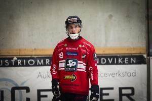 Tuomas Määttä gav Edsbyn ledningen i söndagens match, men det var Bollnäs som vann och tog hem tredjeplatsen i den ryska turneringen.