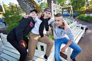 Tim Mattsson, Liam Dackell och Simon Ytterbom går på Stigslundsskolan. Simon Ytterbom såg mest fram emot att umgås med kompisarna under kvällen.