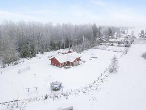 På plats sju på Klicktoppen för vecka 2 hittar vi denna villa i Sunnanö, Borlänge kommun, med 5 521 klick.Foto: Patrik Persson