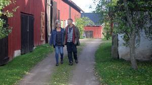 """Så lever Petter och Camilla självförsörjande i Gudhem: """"Att få styra sin egen dag själv är det bästa"""""""