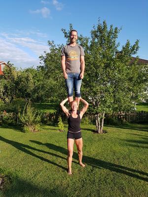 Ledarna Li Haglund och Robin French ska leda vuxenakrobatiken.