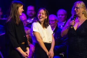 Vilma Persson och Frida Andersson fick ta emot årets stipendium ur Per Greens minnesfond.