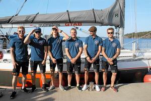 Aloha Sailings besättning, som fångades på bild före avfärden från Nynäshamn i augusti, har nyligen nått passadvindarna i höjd med Kap Verde.